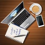 Boekje en laptop met mobiele telefoon en koffiekop Royalty-vrije Stock Afbeeldingen