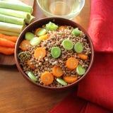 Boekweithavermoutpap met wortel en prei Royalty-vrije Stock Foto
