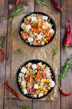 Boekweitsalade met tomaten en feta Royalty-vrije Stock Fotografie