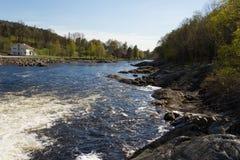 Boenfossen, la cascade chez Boen, en rivière Salmon populaire Tovdalselva, dans Kristiansand, la Norvège Photos stock