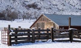 Boerderij in de Winter Stock Afbeeldingen