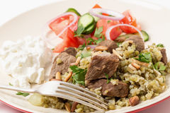Boeuf arabe avec le repas de freekeh Image stock