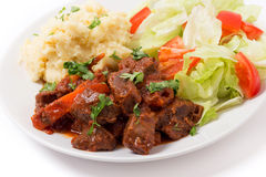 Boeuf grec en sauce rouge Image libre de droits
