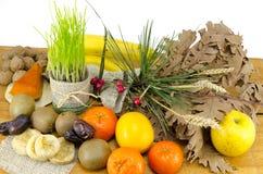 Bogactwa Chrsitmas wigilii ofiary wliczając różnorodnej owoc Zdjęcie Stock