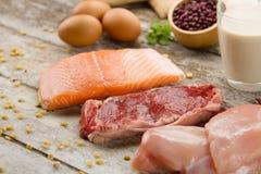 Bogaty odżywki jedzenie ryba, mięso, jajka i mleko, obrazy stock