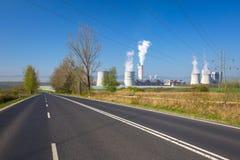 Bogatynia, Polen - April 20, 2019: Turow Thermische Krachtcentrale in Bogatynia, Polen Dit is de moderne bruinkool thermische mac royalty-vrije stock afbeelding