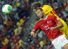 Bogdan Stancu und Omer Toprak im Spiel die Rumänien-Türkei-Weltcup-der näheren Bestimmung Lizenzfreies Stockbild