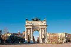 Bogen des Friedens des Sempione Gatters in Mailand Stockfotografie