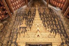 Bogen des Türtempels, Wat Xieng Thong Stockbilder