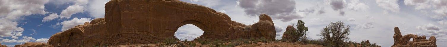Bogen en het Panorama van Canyonlands NP, Moab, Utah Stock Afbeeldingen