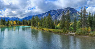 Bogen-Fluss Lizenzfreie Stockfotografie