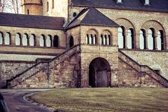 Bogen und Schritte des Kaiserpalastes in Goslar Lizenzfreie Stockbilder