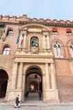 Bogen von d'Accursio Palast im Bologna Stockbilder