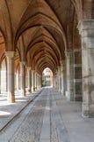 Bogenweise im alten Palast Stockbilder