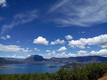 Bogini góra na jeziorze obrazy royalty free