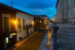 BOGOTÁ, COLOMBIA - OCTUBRE, 11, 2017: Paisaje urbano de Bogotá, calle de Carrera 7 la 8va y el edificio de BD Bacata en Bogotá Fotografía de archivo