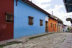 Bogota Colombia - Oktober 1, 2013: Typisk gata av touristy D Arkivfoto