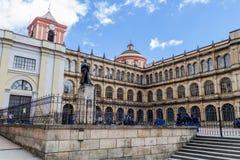 BOGOTA COLOMBIA - SEPTEMBER 24, 2015: Högskola av St Bartholomew Colegio Mayor de San Bartolome i centrum av Bogot arkivbilder