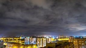 Bogota in der Nacht mit Wolken im Himmel Stockbilder