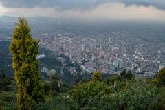 Bogota im Stadtzentrum gelegen von der Spitze Stockfotos
