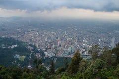 Bogota im Stadtzentrum gelegen von der Spitze Stockbilder