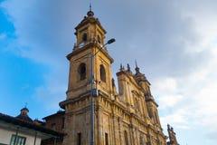 BOGOTA, KOLUMBIA PAŹDZIERNIK 22, 2017: Główny plac z kościół, bolivara kwadrat w Bogota, Kolumbia, ameryka łacińska Obraz Royalty Free