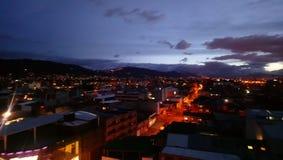 Bogota la nuit images stock