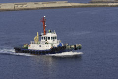 Bogserbåt i hamnen Royaltyfria Foton