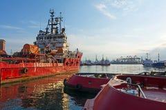 bogserbåtar Arkivfoton