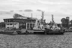 Bogserbåten på portkanalen Fotografering för Bildbyråer