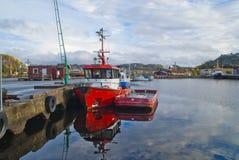 Bogserbåtevis från kragerøhavsservice Royaltyfri Foto