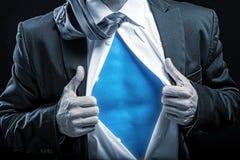 Bohater - w oddaleniu rozpinająca koszula, błękitny brzuch Zdjęcie Royalty Free