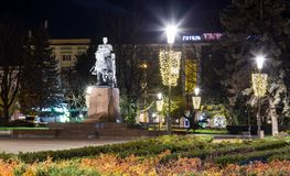 Bohdan Khmelnytsky monument i stadsmitten Ternopil, Ukraina royaltyfri fotografi