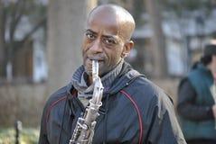 Bohemisk saxofonspelare royaltyfria foton