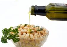 Bohnensalat mit Olivenöl Stockfotografie