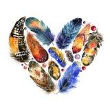 Boho与鸟羽毛的样式心脏 葡萄酒 图库摄影