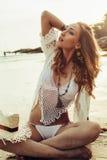 Boho ввело модель в моду на пляже Стоковое Изображение