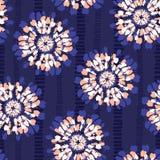 Boho barwidła Koralowy Shibori Odzwierciedlający Sunburst Kwitnie na Indygowego Pasiastego tła Wektorowym Bezszwowym wzorze royalty ilustracja
