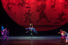 Bohren Sie herein die springende Ring-akrobatische showBaixi Traum-Nacht Stockfoto
