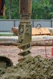Bohren Sie Stapel-Anlagenbohrer an der Baustelle lizenzfreies stockfoto