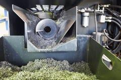 Bohrer und Metallturnings von der Drehbankmaschine lizenzfreies stockbild