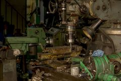 Bohrgerätplattform ist ein Werkzeug für Metallbohrung stockfotos
