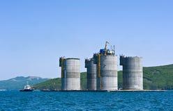 Bohrinsel der Vorbereitungsschleppenbasis Primorsky Krai Ost (Japan-) Meer 01 06 2012 Stockfotografie