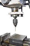 Bohrmaschine, industrielles Eisen bohren herein Aktion in Stahlfabriknahaufnahme auf dem Bohrgerät stockfoto