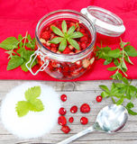 Boil wild strawberries Royalty Free Stock Photos