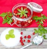 Boil wild strawberries Royalty Free Stock Photos