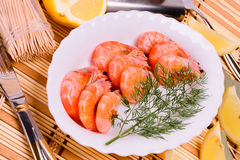 Boiled shrimp on an oval platter Stock Photography