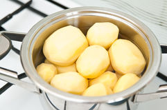 Boiling potatoes Royalty Free Stock Photography