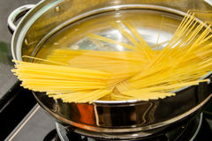 Boiling spaghetti Royalty Free Stock Images