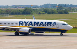 Boing 737 - 8AS from Ryanair on airport Stock Images